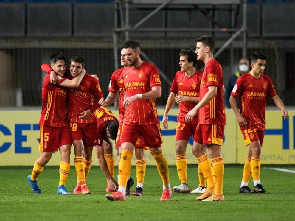 Los futbolistas celebran el gol de Sanabria, que supuso el 0-2 a falta de solo 10 minutos para concluir el duelo.