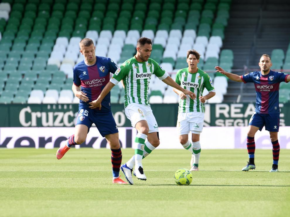 Vavro, durante el partido contra el Betis.