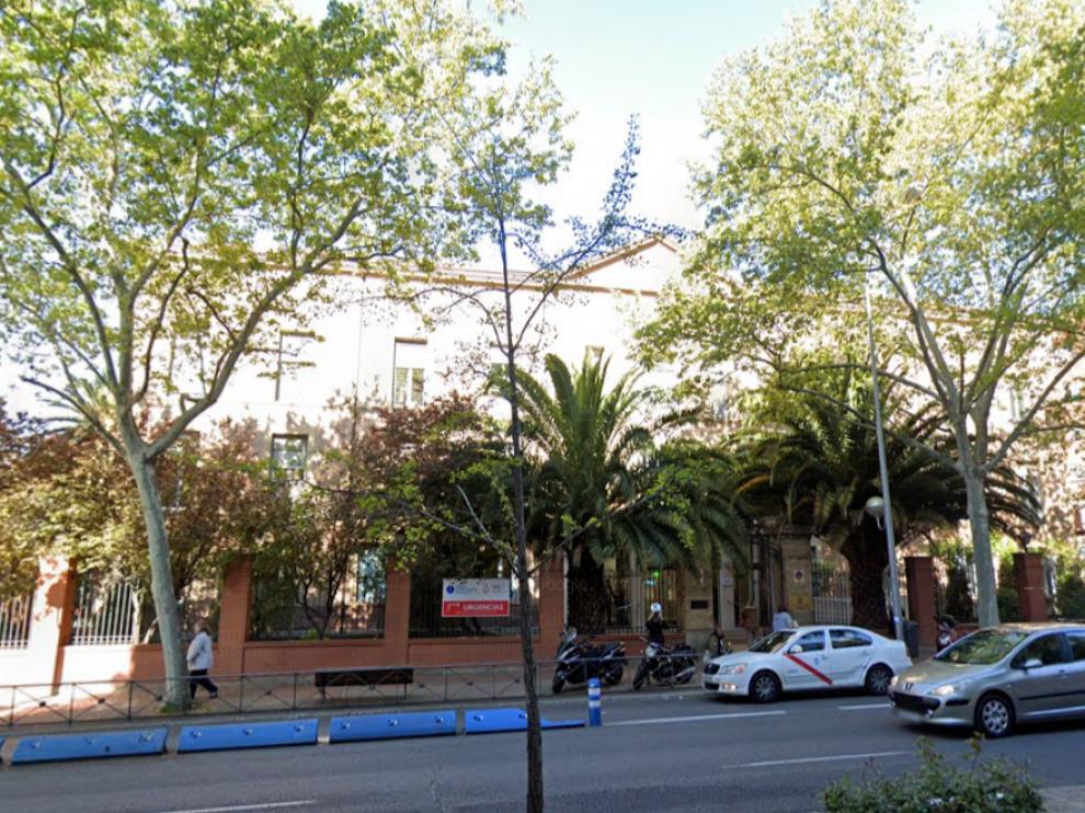 El Hospital de Nuestra Señora del Rosario, donde permanece ingresado el novillero.