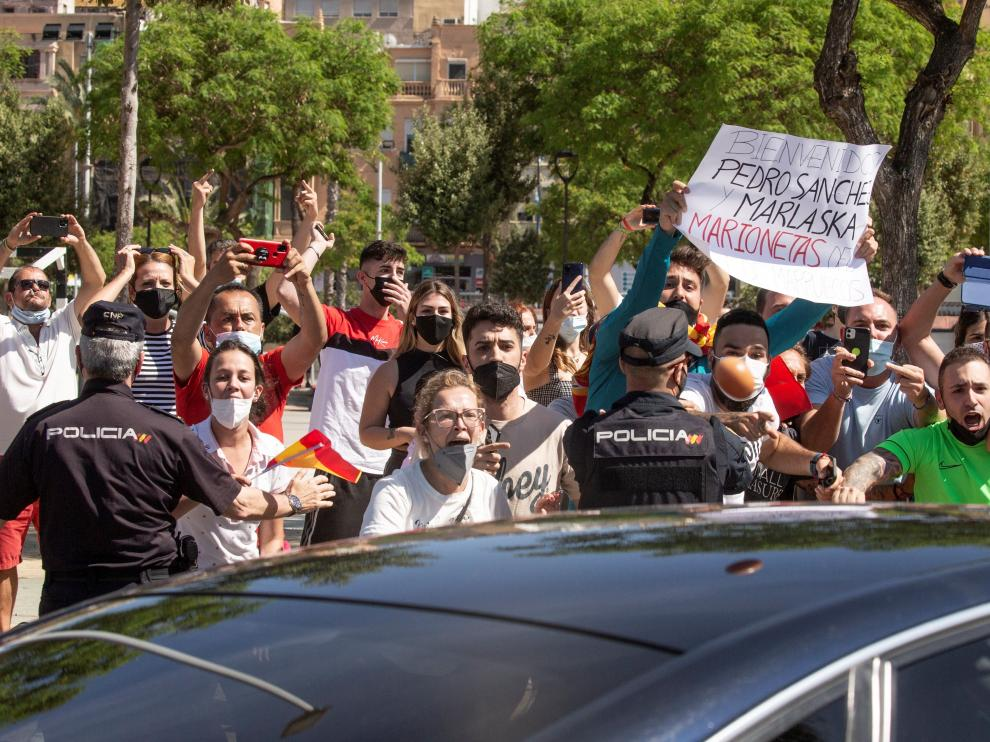 Sanchez llega a Ceuta en plena crisis migratoria