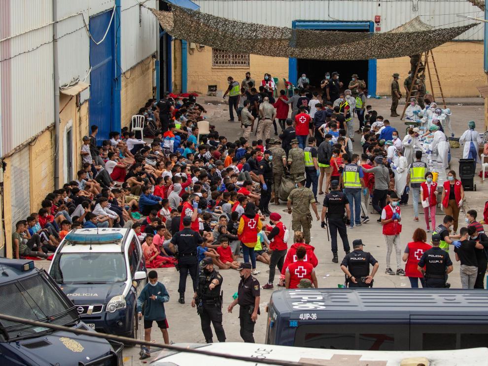 Decenas de menores recién llegados a Ceuta desde Marruecos