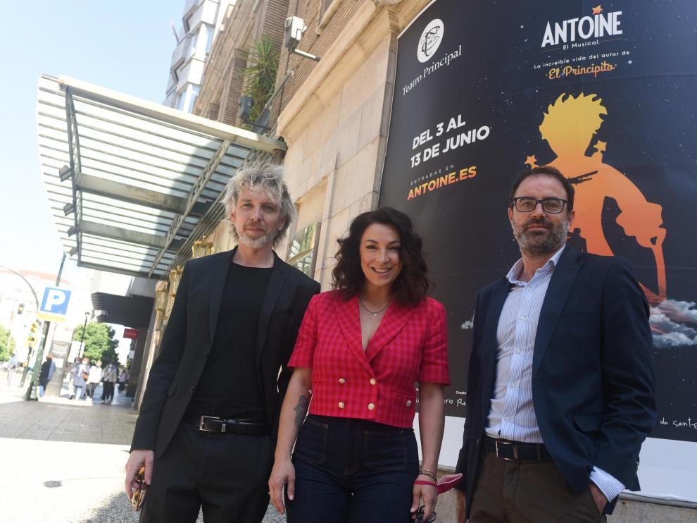 Shuarma, Lorena Calero y Luis Gandiaga, en el Teatro Principal.