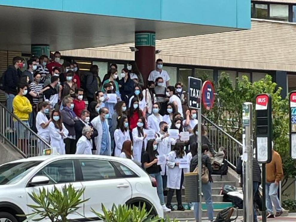 Concentración de aspirantes a MIR en el Hospital Clínico de Zaragoza.