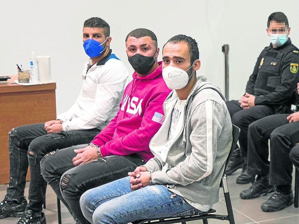 Los tres acusados, durante el juicio celebrado en la Audiencia de Zaragoza.