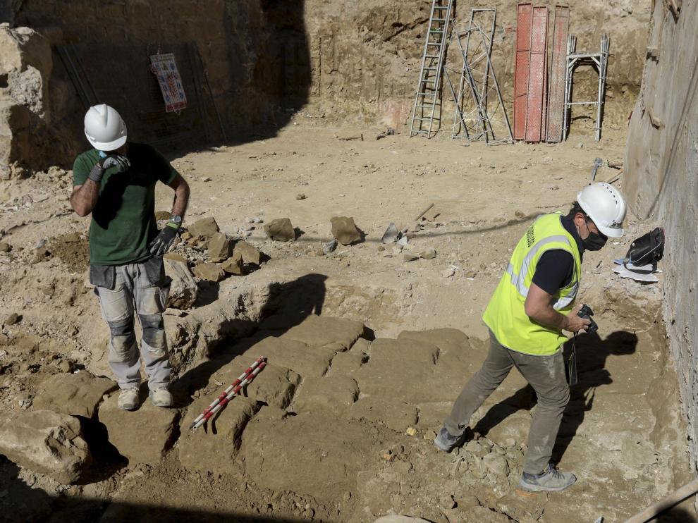 Los restos hallados forman una estructura cuadrangular de grandes sillares.
