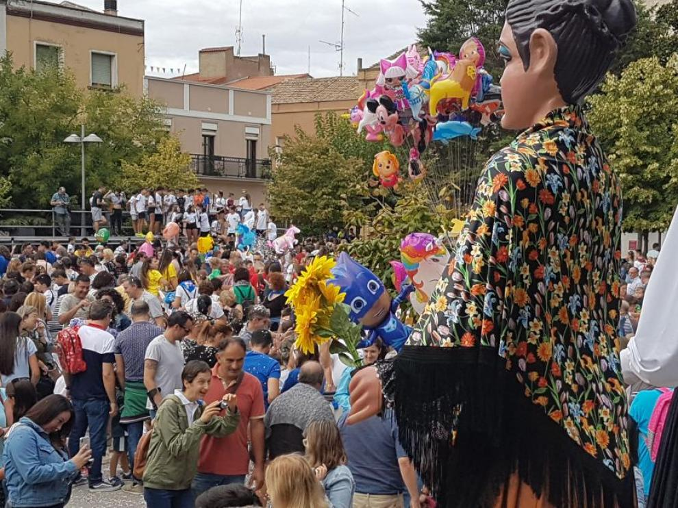 Pasacalles del primer día de fiestas en Binéfar en septiembre de 2019.