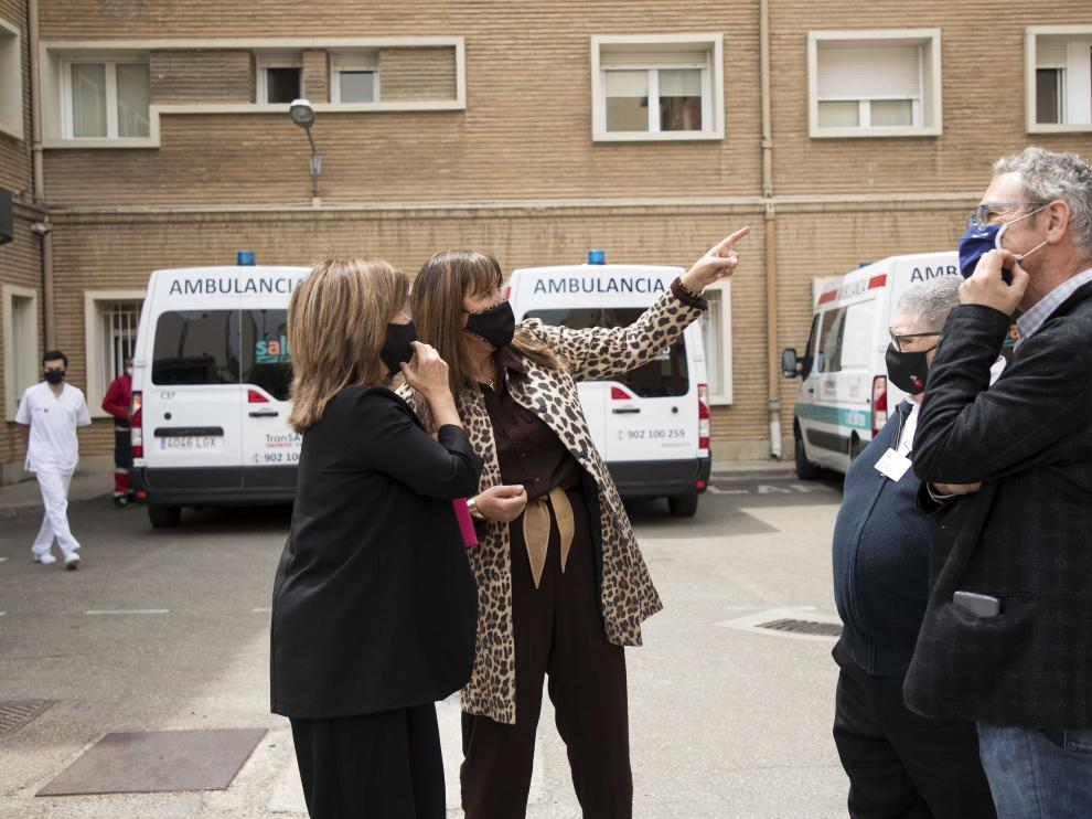 Visita de Marivi Broto y Sira Repollés al Hospital San Juan de Dios