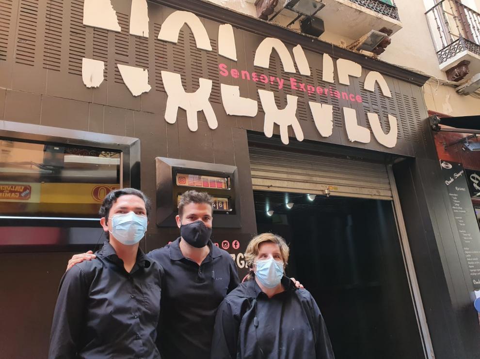 Diego, en el medio, junto a Mateo y Sonia