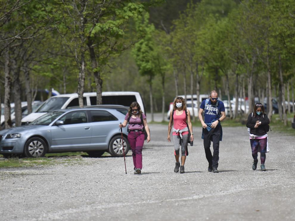 Excursionistas dispuestos a pasar la mañana del domingo en Ordesa.