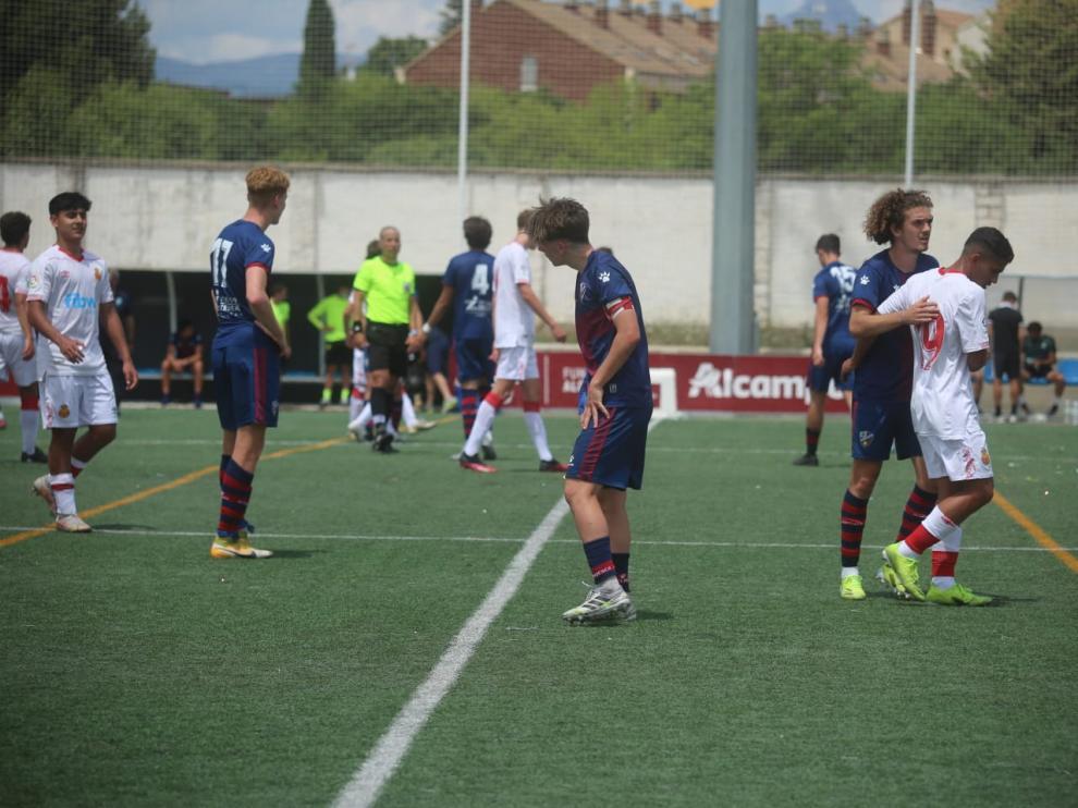 Imagen del final del partido entre el Huesca y el Mallorca.