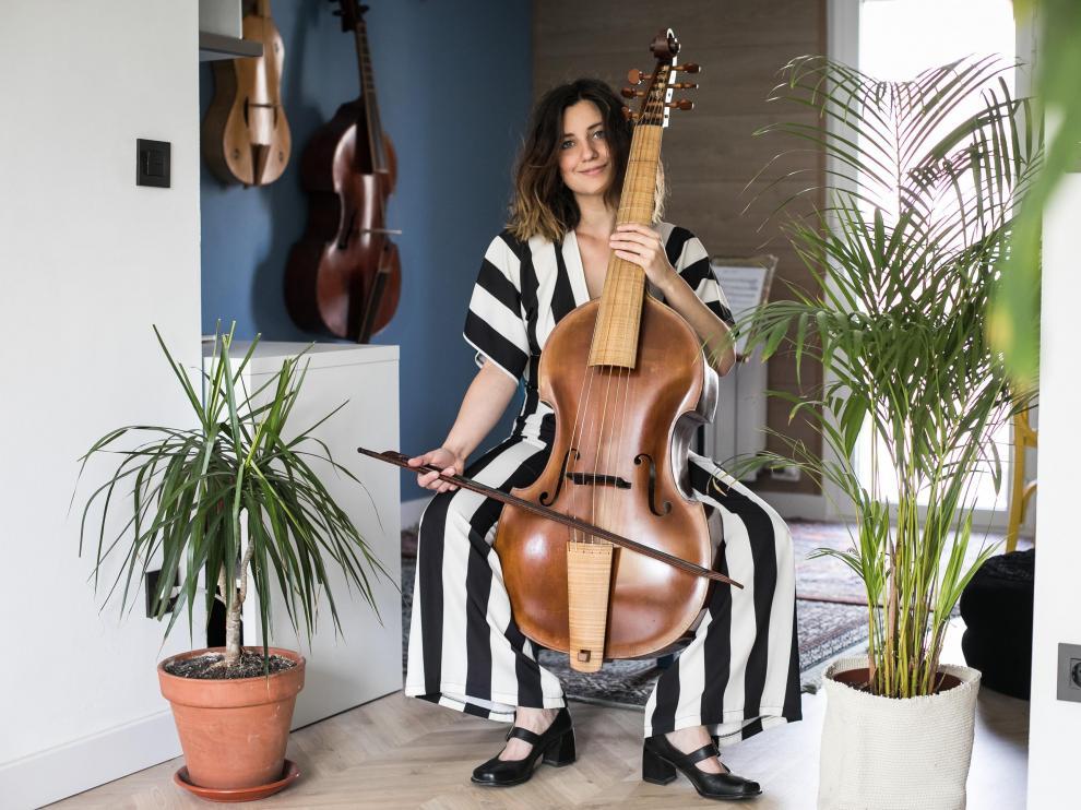 Pilar Almalé funda el proyecto musical Almalé.