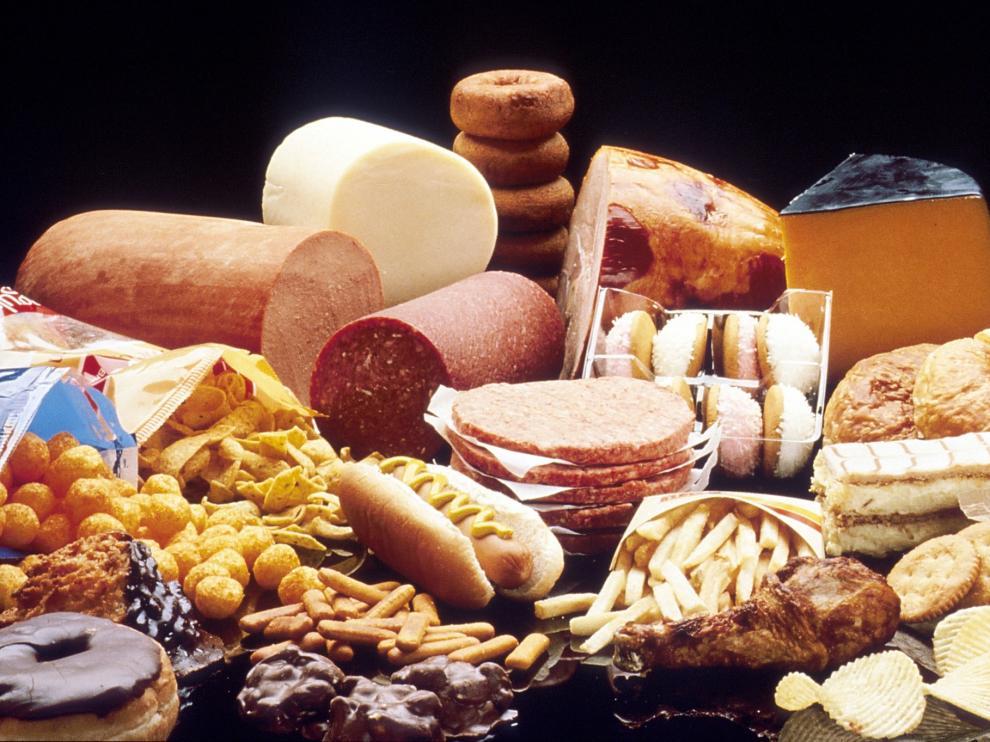 Los alimentos grasos, con demasiada sal o los dulces interfieren en el sueño.