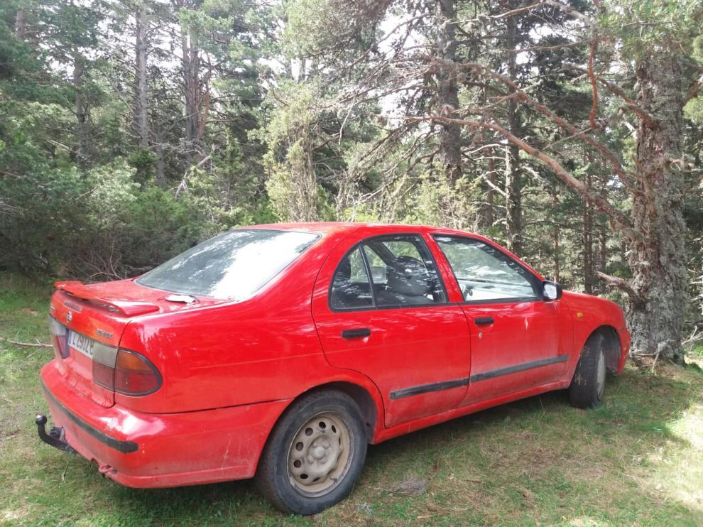 El coche del desaparecido ha quedado aparcado junto a unos pinos en Valdelinares