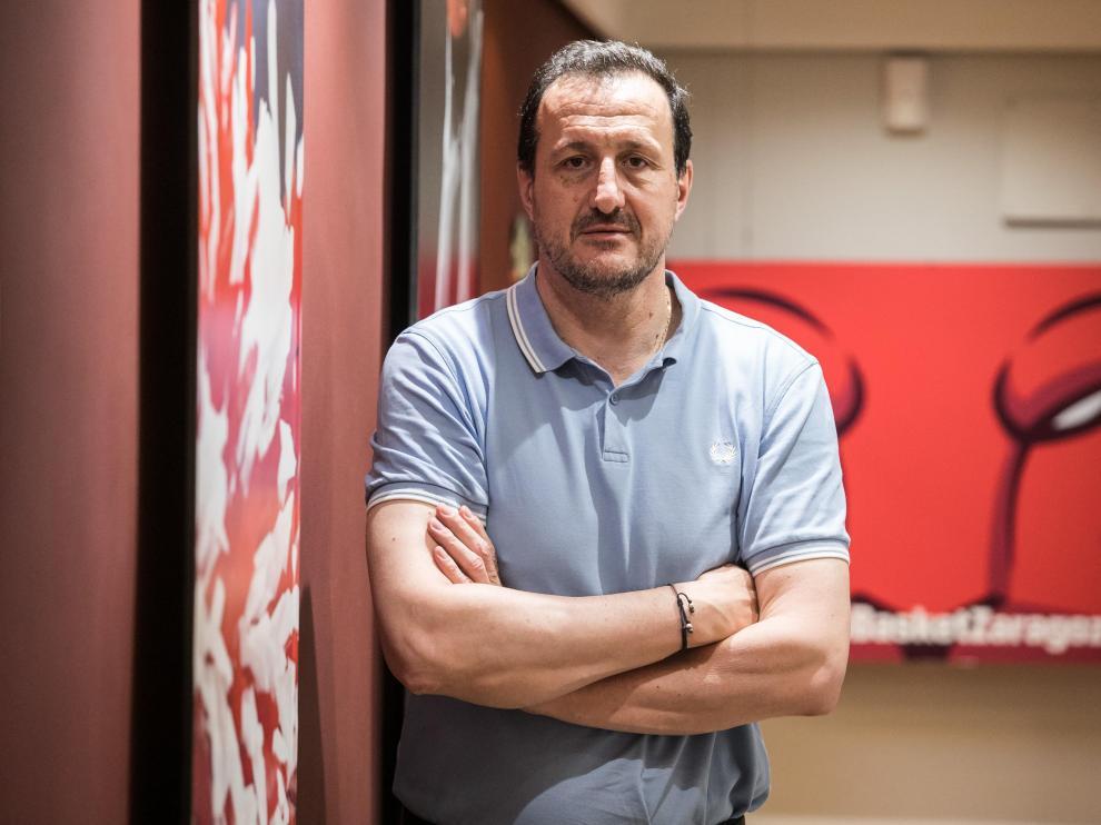 Pep Cargol, director deportivo del Casademont Zaragoza, posaba ayer en la sede del club.
