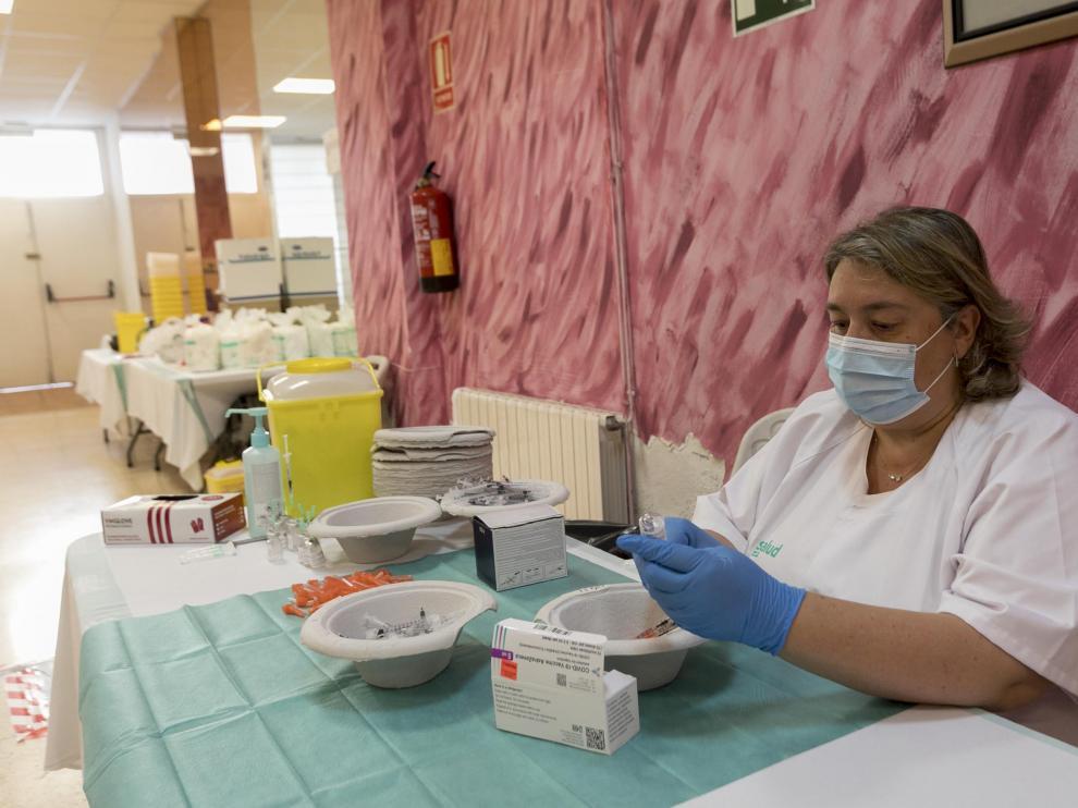 El 95% de los universitarios de Ciencias de la Salud (345) de Huesca han completado este miércoles la pauta con la segunda dosis de Astra Zeneca.