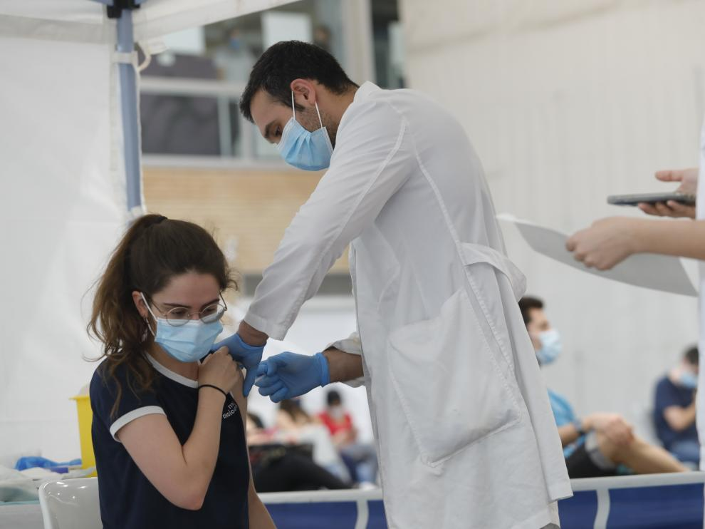 Vacunación con Astrazeneca a los universitarios.