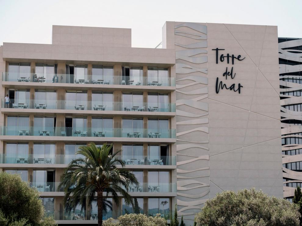 Mueren dos jóvenes 22 y 26 años precipitados de un cuarto piso en Ibiza