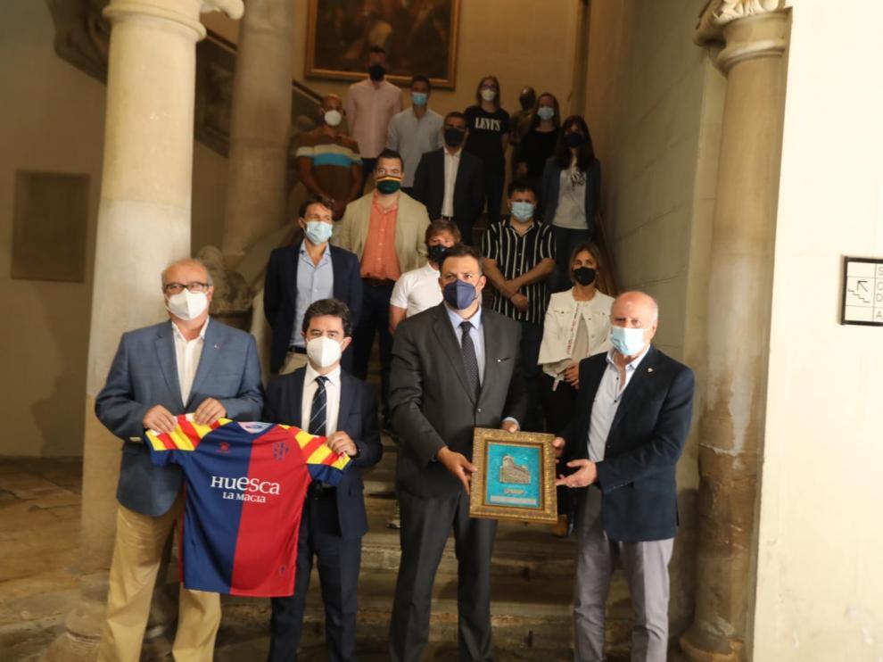 El Huesca ha acudido este jueves a una recepción oficial en el Ayuntamiento.
