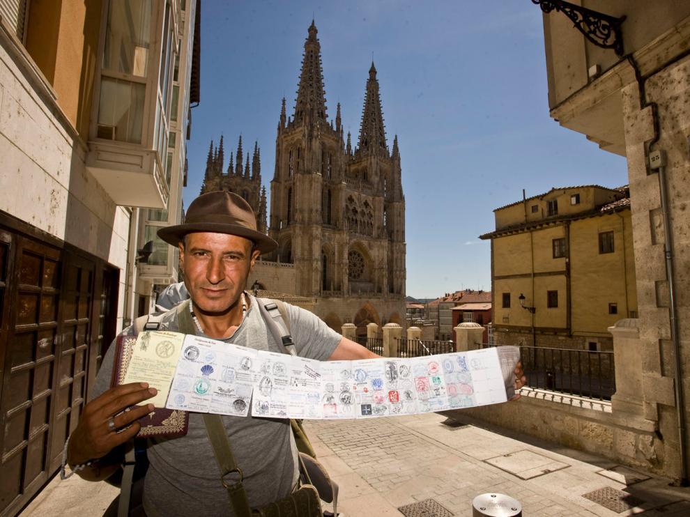 Peregrinos y visitantes se acercan a Burgos en este año de aniversario que coincide con el Año Jacobeo.