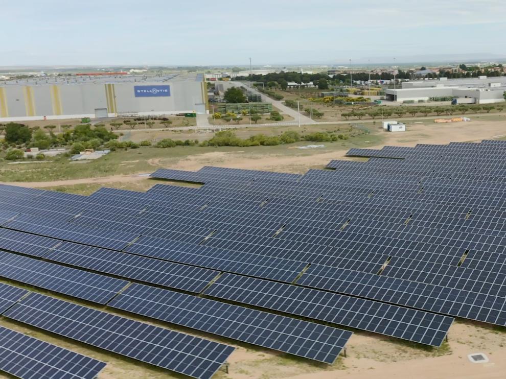 Imagen de la planta fotovoltaica inaugurada esta mañana en la planta de Opel PSA (Grupo Stellantis)