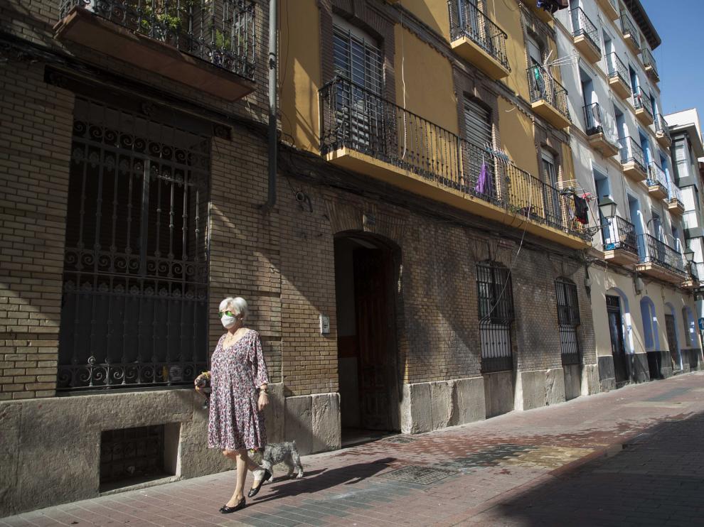 Edificio de la calle Pignatelli, 67 donde ha habido un incendio.