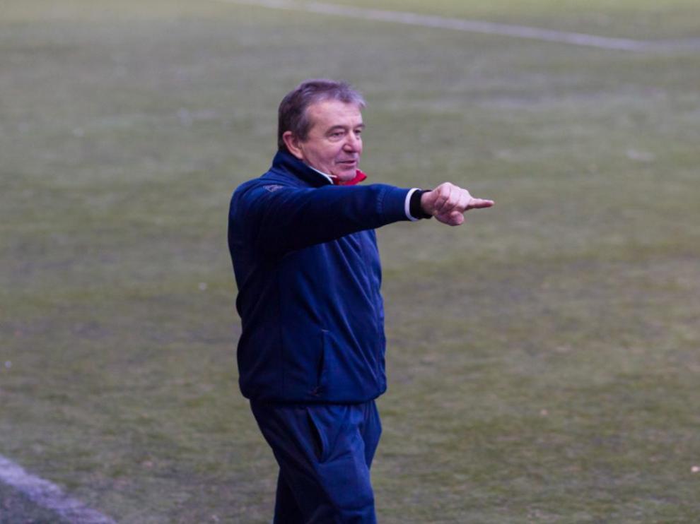 Antonio Gonzalvo, entrenador aragonés de fútbol.