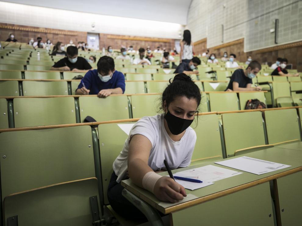 Los alumnos de bachillerato, el año pasado durante la primera Evau en pandemia.
