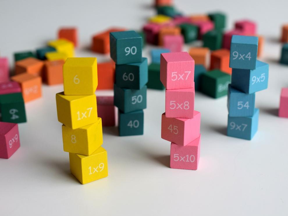 Cubos con operaciones matemáticas