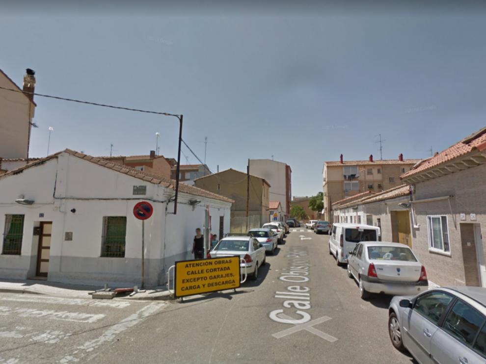 El camión estaba aparcado en la calle del Obispo Paterno, en el barrio Oliver de Zaragoza.