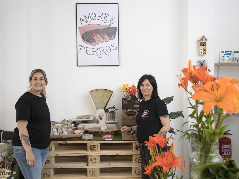 Leticia Marcuello (izquierda) y Mapi Mateo, socias de Amores Perros.
