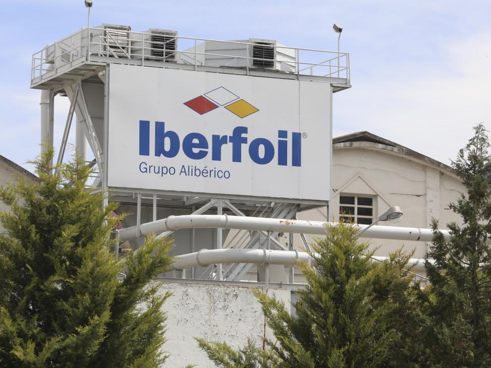 Fachada de la planta de Iberfoil en Sabiñánigo.