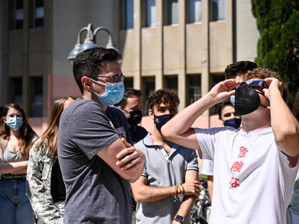 El eclipse solar, desde el campus de San Francisco de Zaragoza