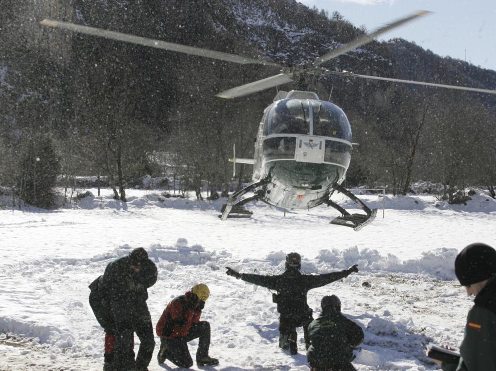 Operativo de evacuación de la estación de Panticosa, con más de 1.000 esquiadores, en 2013.