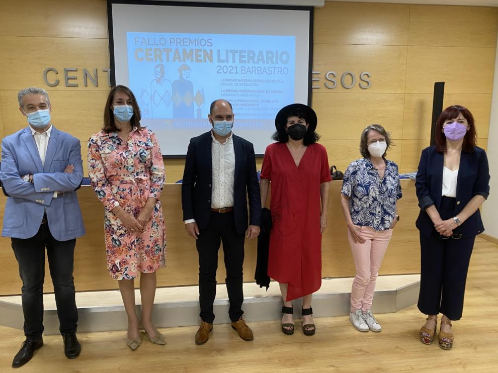 Juanfer Briones, Blanca Galindo, Fernando Torres, Aurora Luque, Marta Sanz y María Ángeles Naval.