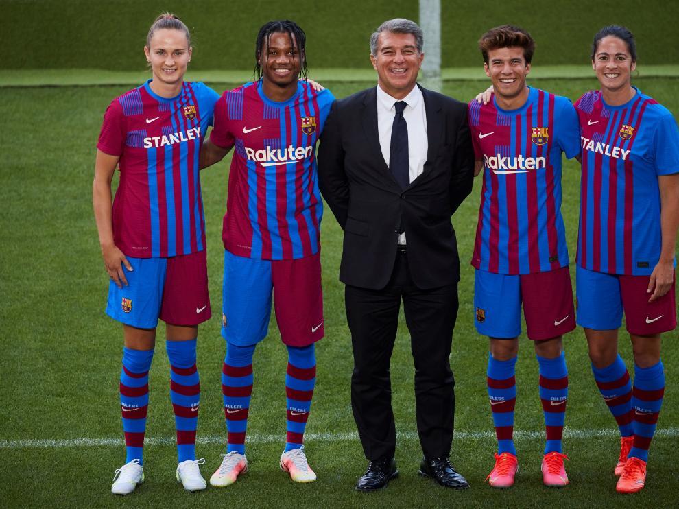 Presentación de la equipación 2021-2022 del FC Barcelona