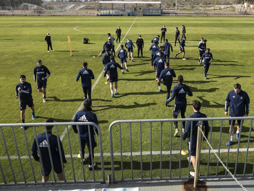 La plantilla del Real Zaragoza iniciará los entrenamientos de pretemporada el 7 de julio en la Ciudad Deportiva.