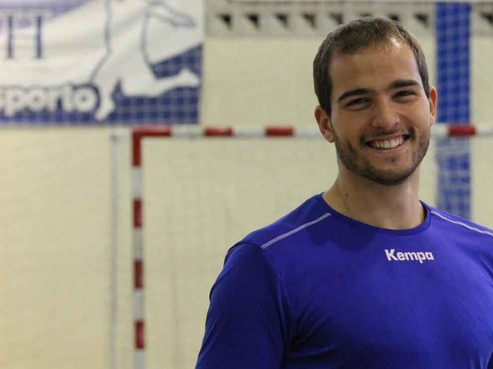 El nuevo jugador del Bada Huesca Miguel Gomes.