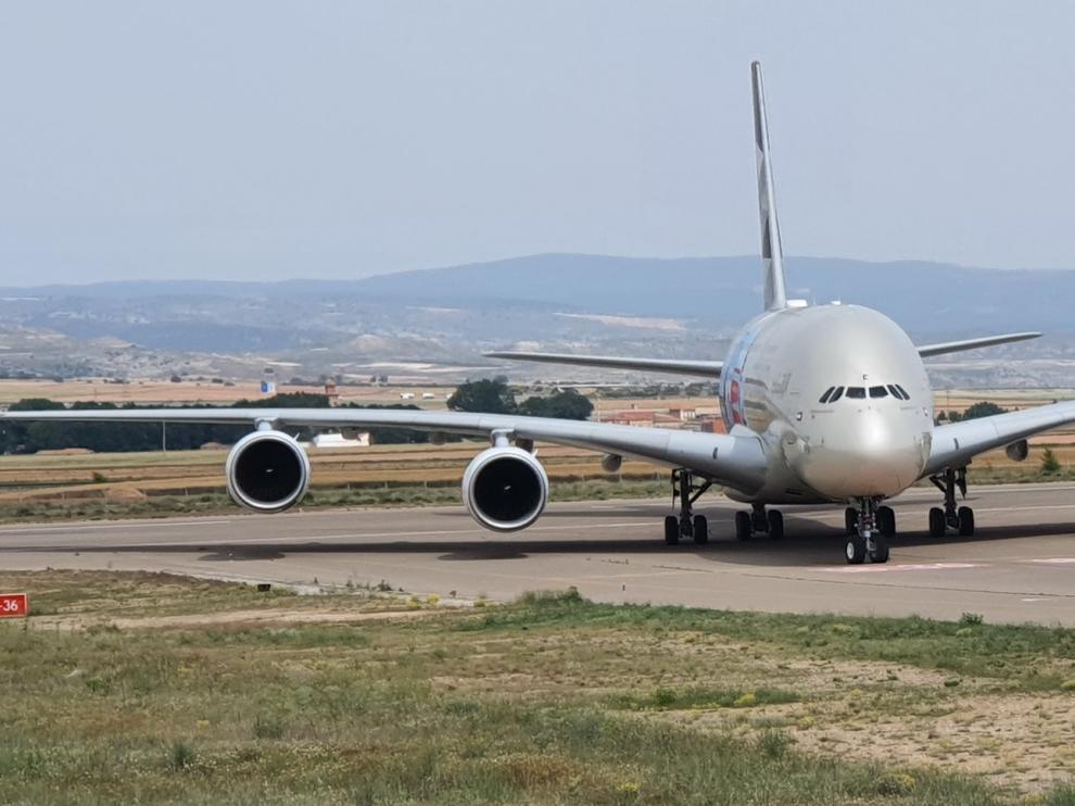 Reciente llegada al aeropuerto de Teruel de un Airbus A380 procedente de Abu Dabi.