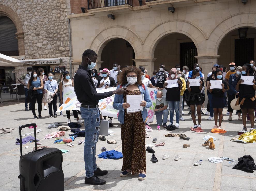 concentracion por el dia internacional de los refugiados en Teruel. Foto Antonio Garcia/Bykofoto. 20/06/21[[[FOTOGRAFOS]]]