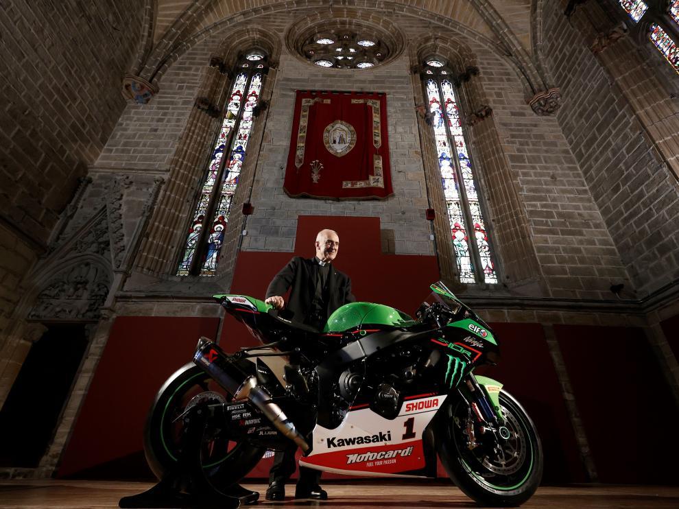 Moto del campeón mundial de Superbikes en Catedral