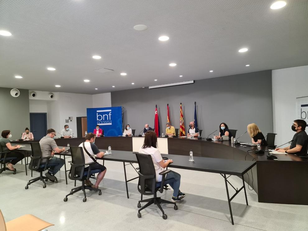 Imagen del pleno del Ayuntamiento de Binéfar.