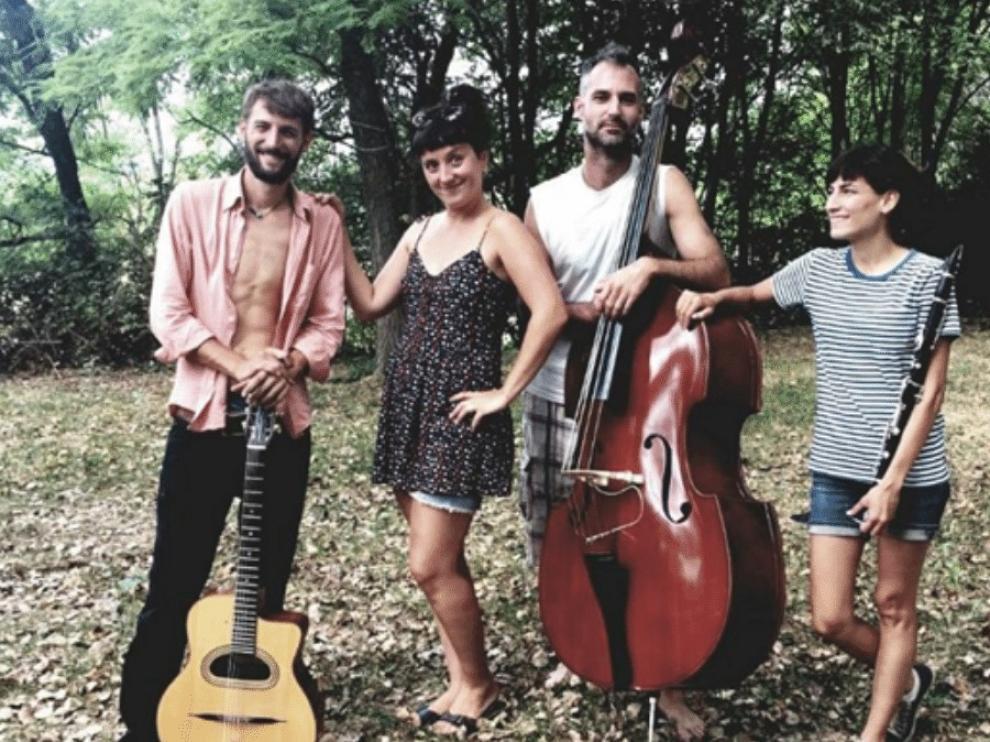 La Mouche Swing actuará este sábado a las 22.00 en Banastón.