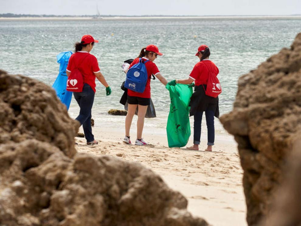 Los voluntarios se han esforzado en limpiar las costas, los entornos acuáticos y los fondos marinos de España y Portugal.