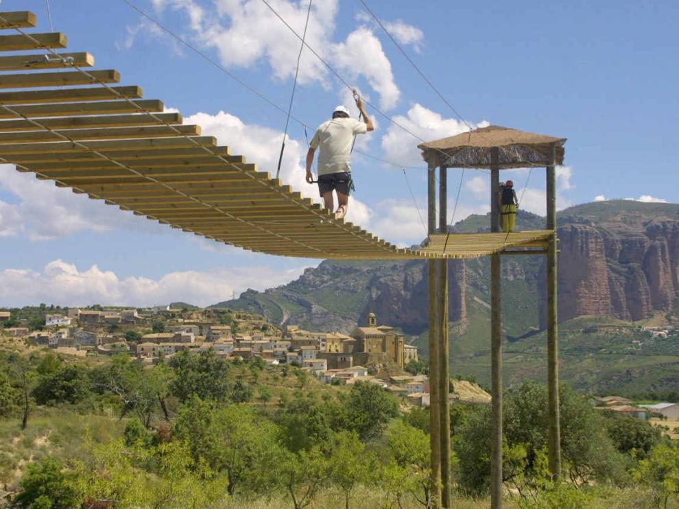 Parque de aventura Verticalia, en Murillo de Gállego.