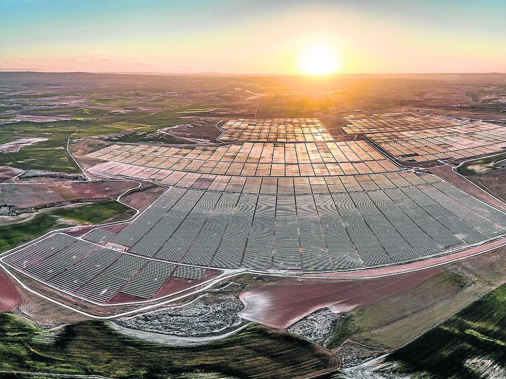 Las cinco plantas solares de BP ocupan 650 hectáreas en el término municipal de Almochuel.