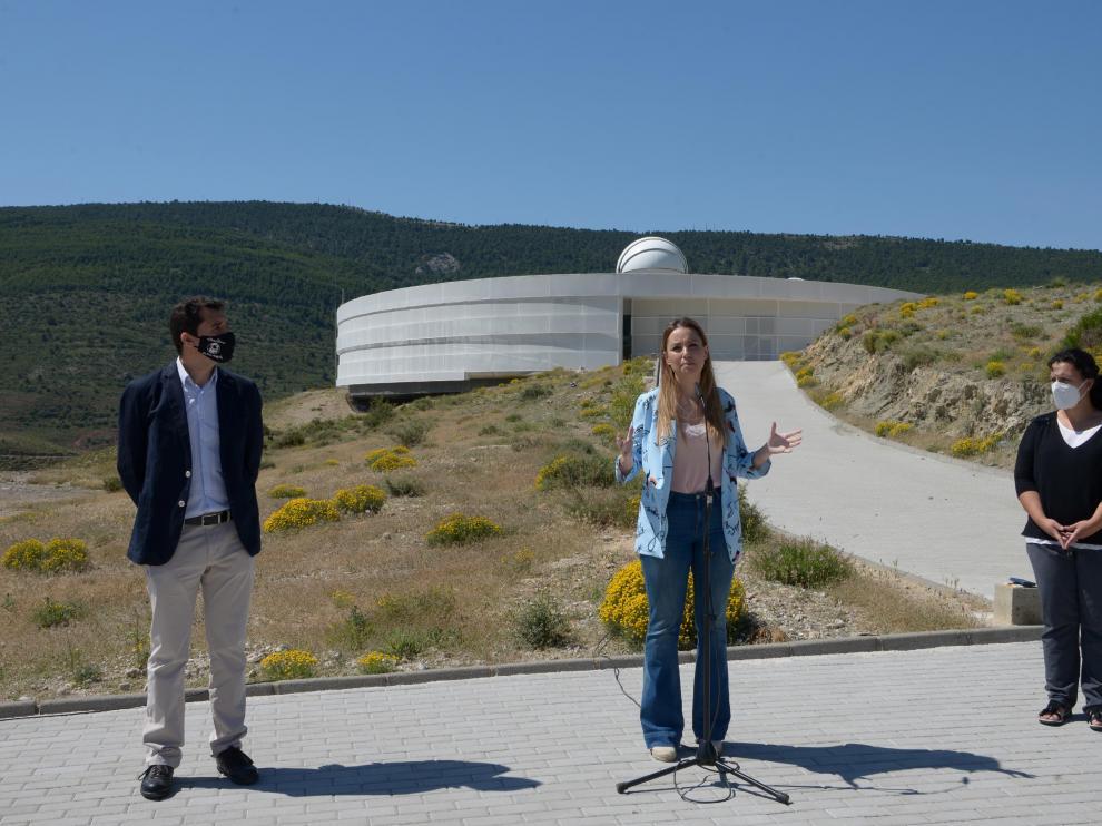 Javier Cenarro, Maru Díaz y Maribel Aguilar, en Galáctica al presentar la programación lúdica y cultural de los próximos meses.
