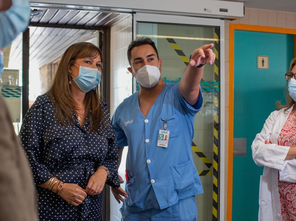 Visita de la consejera Repollés al hospital de Calatayud