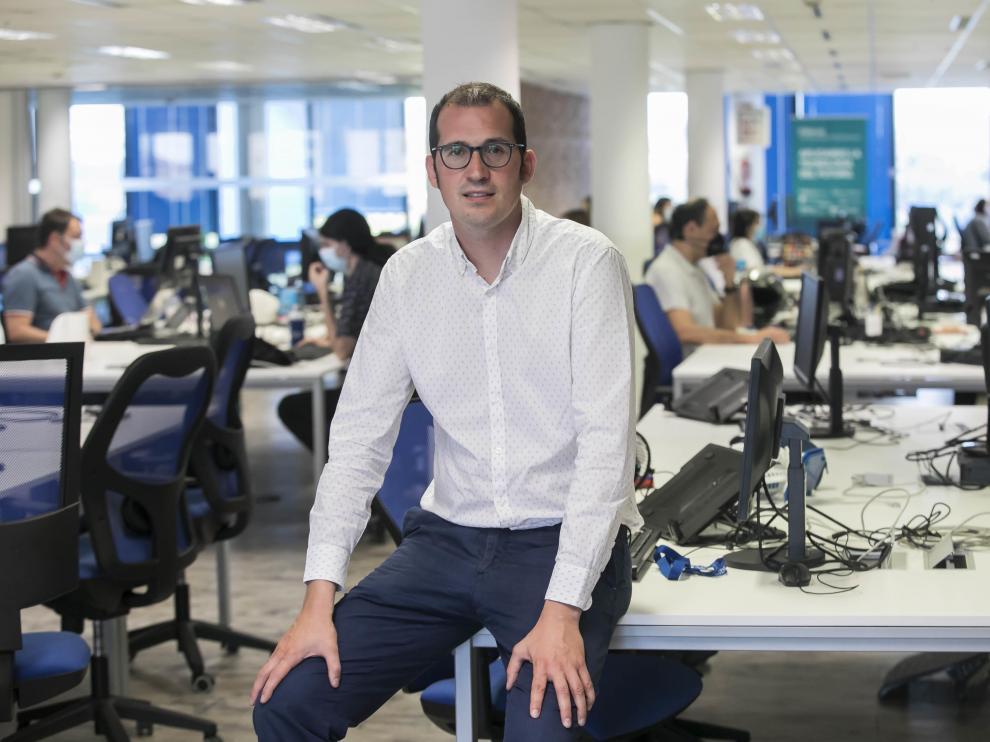 Sergio López, director general de Hiberus Tecnología, en la sede de la compañía en Zaragoza.