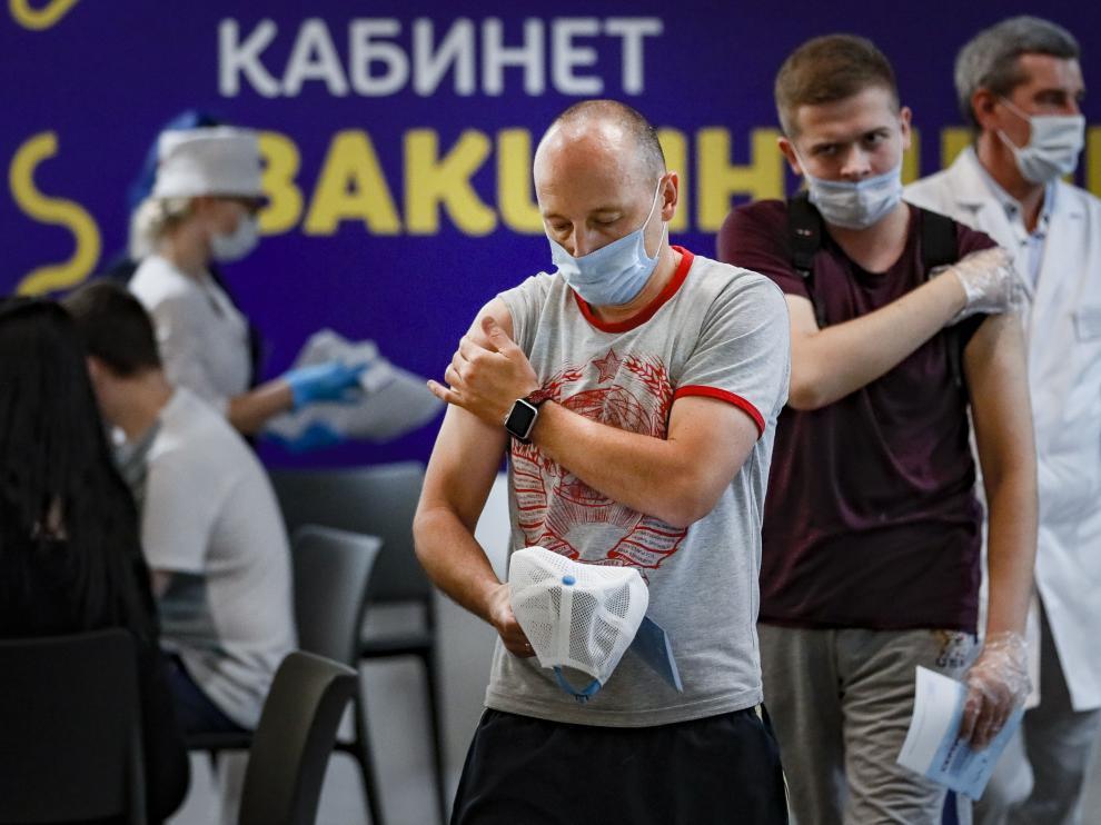 Punto de vacunación en Rusia.