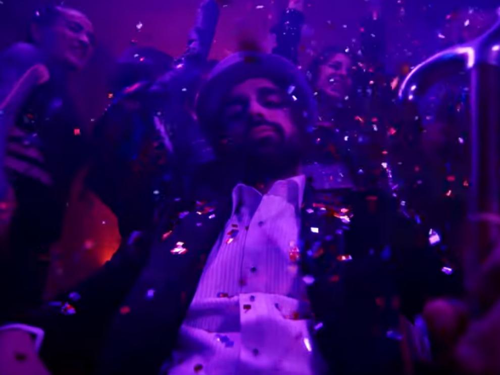 Guillermo Furiase en el videoclip de 'El son'